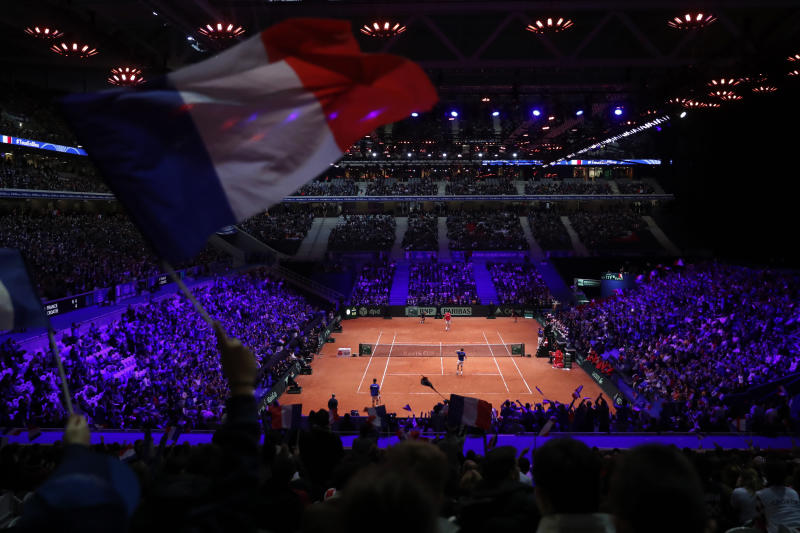 France keeps Davis Cup title hopes alive with doubles win over Croatia