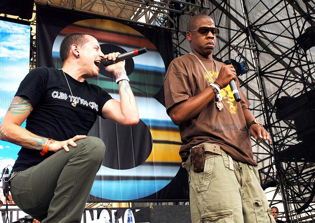 <p>Chester Bennington of Linkin Park with Jay-Z during LIVE 8 – Philadelphia – Show at Philadelphia Museum of Art in Philadelphia, Pennsylvania, United States. (Photo: KMazur/WireImage) </p>