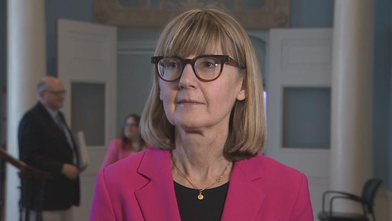 Province tries to allay concerns of doctors' group