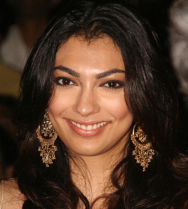 Yahoo Lifestyle News >> Yukta Mookhey accuses husband of abusing her