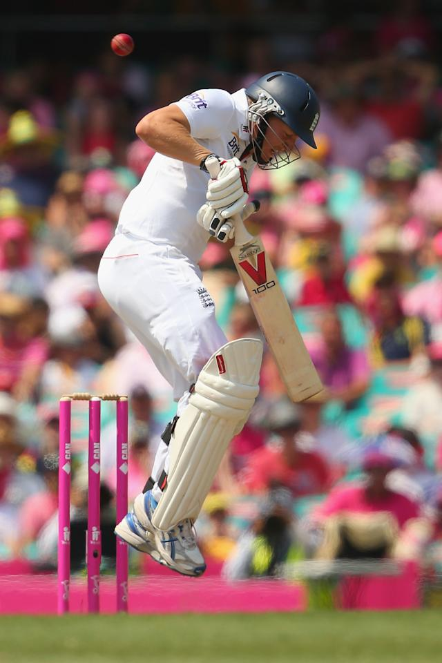 SYDNEY, AUSTRALIA - JANUARY 05:  Gary Ballance of England plays boncer from Mitchell Johnson of Australia during day three of the Fifth Ashes Test match between Australia and England at Sydney Cricket Ground on January 5, 2014 in Sydney, Australia.  (Photo by Mark Kolbe/Getty Images)