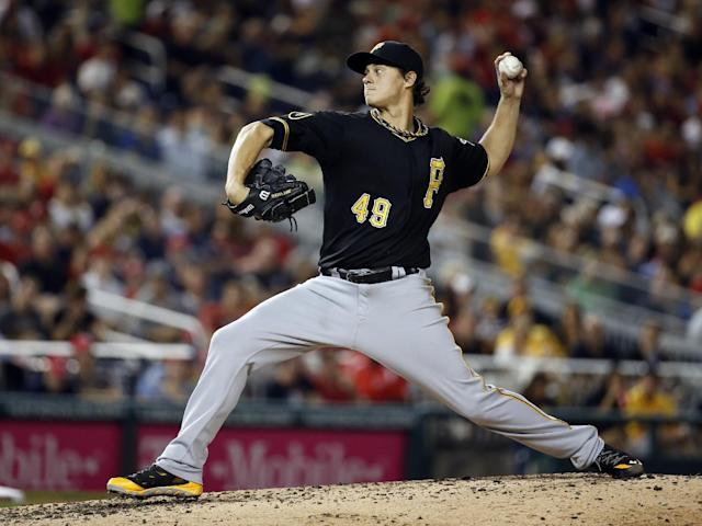 Pittsburgh Pirates starting pitcher Jeff Locke throws during the fourth inning of a baseball game against the Washington Nationals at Nationals Park, Saturday, Aug. 16, 2014, in Washington. (AP Photo/Alex Brandon)