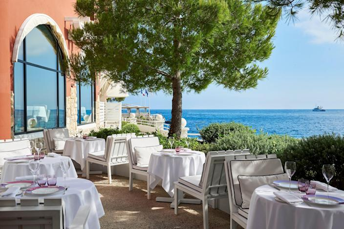 Elsa is the world's first 100% organic Michelin-starred restaurant.