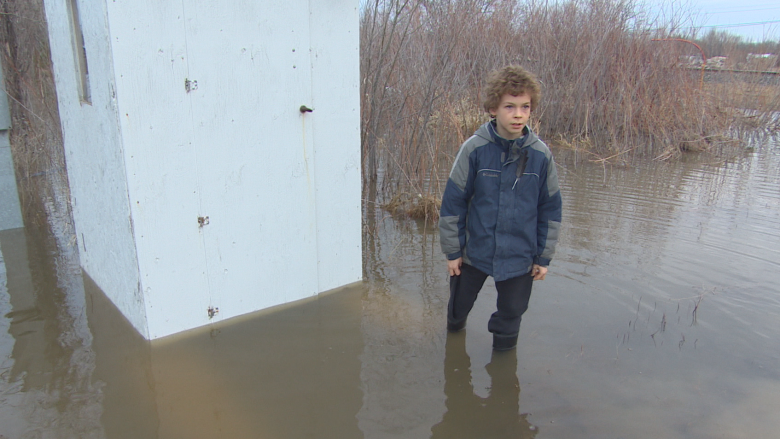 'Water, water everywhere': Neighbours call on city to fix culvert overflow in St. Boniface