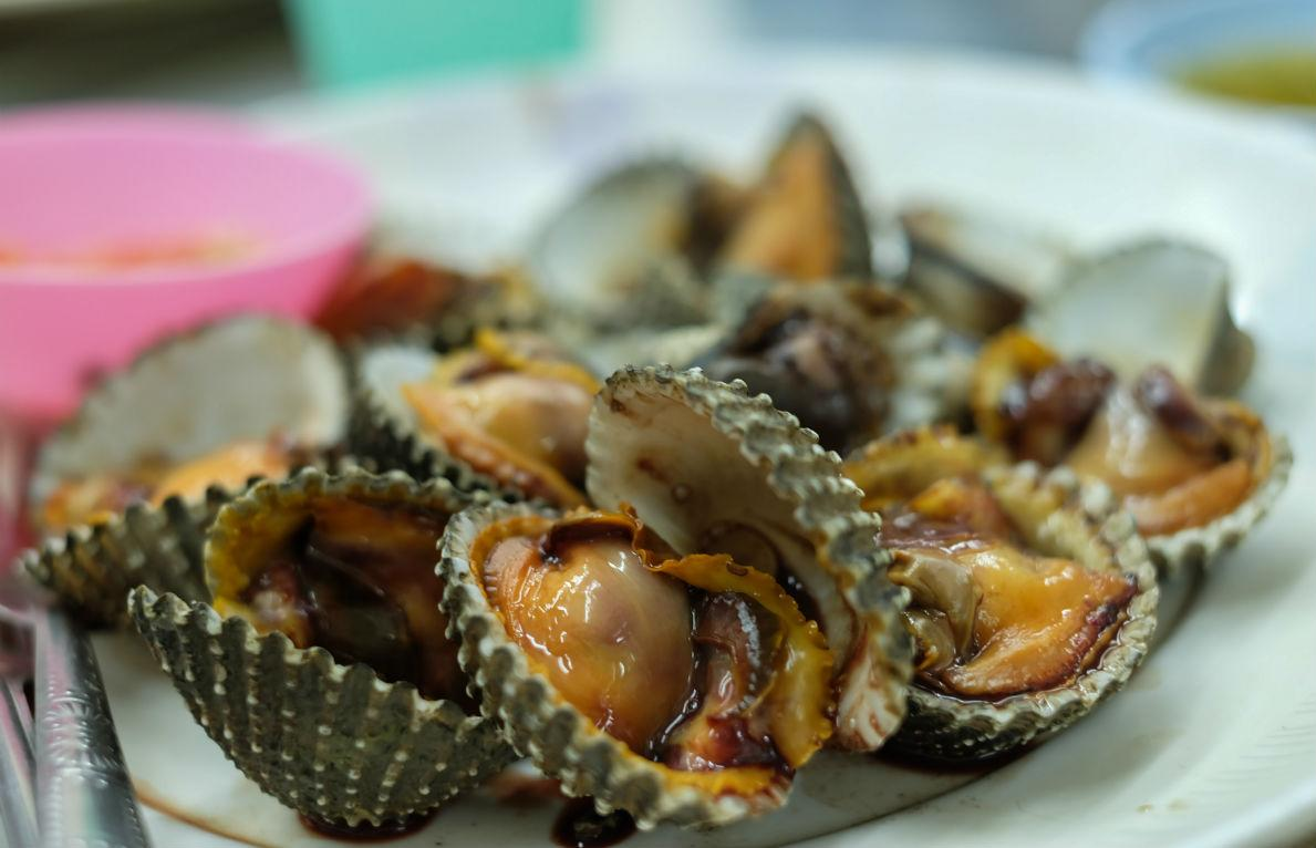 10 24 grilled clams with charred jalapeño basil butter grilled clams ...
