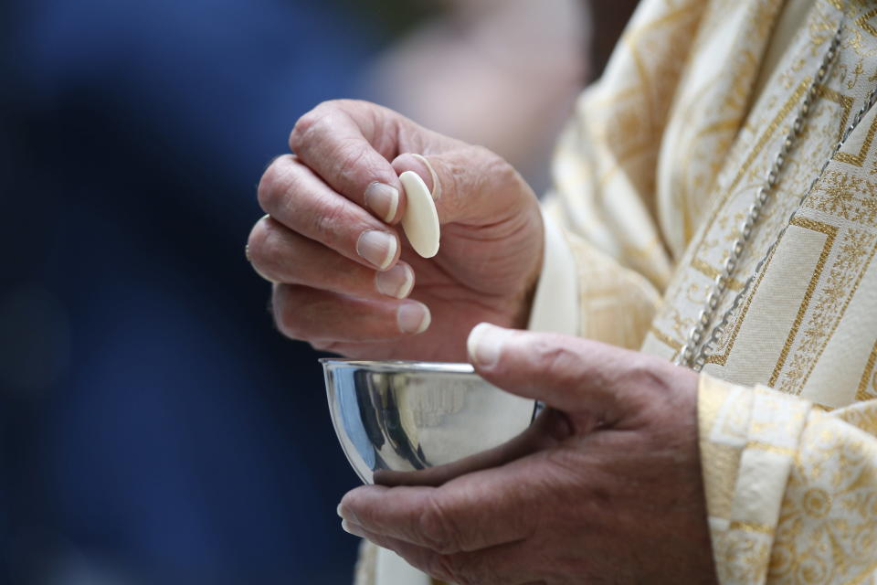 Churches are offering a gluten-free communion option for worshippers (Getty Images)