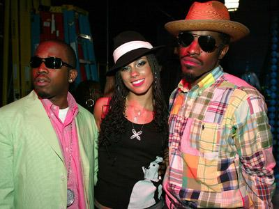 <p>(U.S. TABS OUT) Rap group Outkast and Alicia Keys (C) pose backstage at the 2nd Annual TRL Awards at MTV Times Square Studios April 13, 2004 in New York City. The TRL Awards celebrate the most exciting TRL performers and memorable moments of 2003.</p>