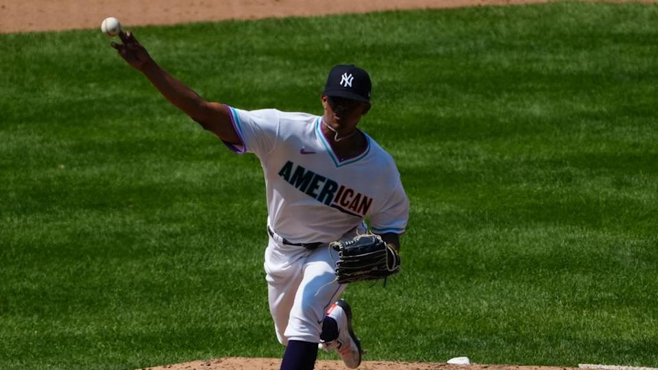 Luis Medina throws pitch 2021 MLB All-Star Futures Game