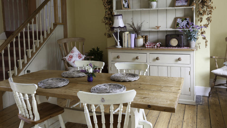 Classic homely kitchen breakfast room.