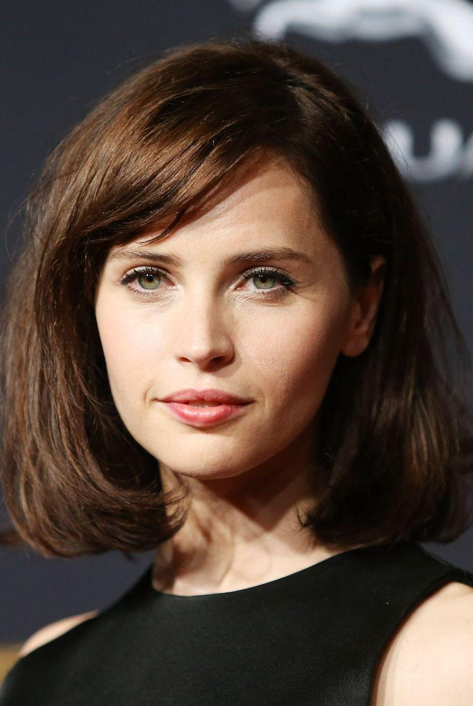 """<p>Felicity Jones, who you might know as Jyn from <em>Rogue One</em>, <a href=""""https://www.mirror.co.uk/tv/tv-news/felicity-jones-play-young-queen-3912734"""" rel=""""nofollow noopener"""" target=""""_blank"""" data-ylk=""""slk:reportedly auditioned"""" class=""""link rapid-noclick-resp"""">reportedly auditioned</a> to play Queen Elizabeth in the series, according to the <em>Mirror</em>.</p>"""