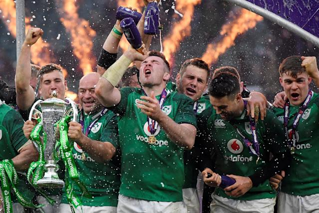 Rugby Union - Six Nations Championship - England vs Ireland - Twickenham Stadium, London, Britain - March 17, 2018 Ireland's Rory Best celebrates with the Six Nations trophy and team mates during the presentation at the end of the match REUTERS/Toby Melville TPX IMAGES OF THE DAY