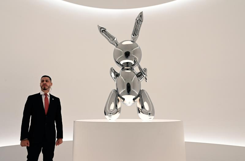 "Bwacht von Security: ""Rabbit"" von Jeff Koons. (Bild: Getty)"