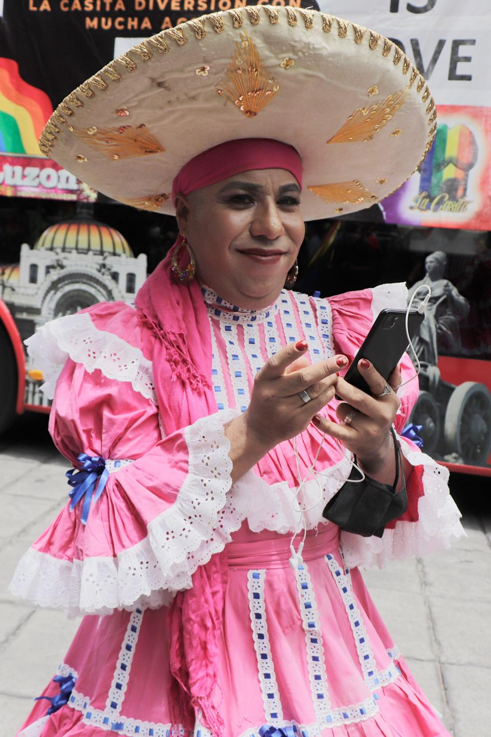"""Personal style and community heritage can be an excellent combo, as seen on this parade-goer in Mexico City. <span class=""""copyright"""">Photo: Gerardo Vieyra/NurPhoto via Getty Images.</span>"""