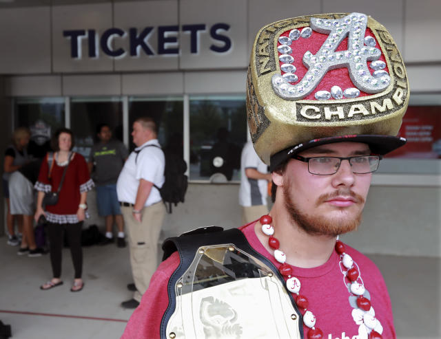 Alabama fans are here to remind you who won the national championship. (Curtis Compton/Atlanta Journal-Constitution via AP)