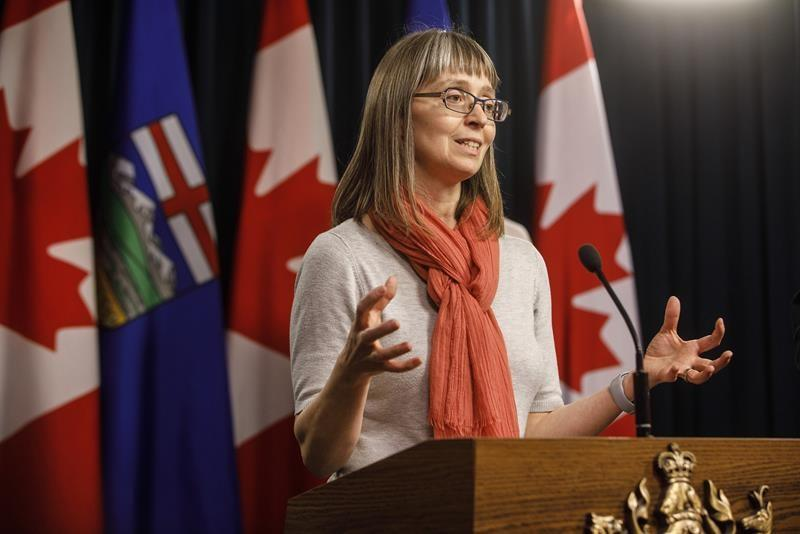 Alberta continues progress on COVID cases as decision looms on Calgary, Brooks