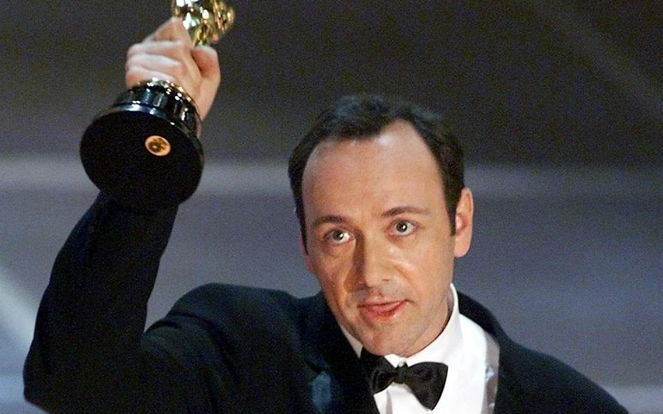 Kevin Spacey receives his Academy Award for American Beauty in 2000 - AFP