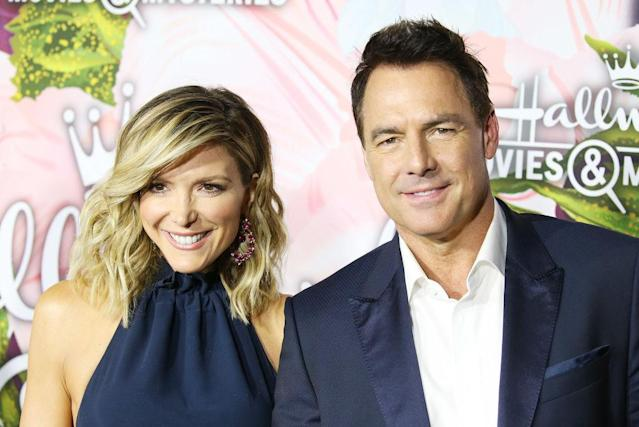 Debbie Matenopoulos and Mark Steines pose together on January 13,2018. (Photo: Michael Tran/Getty Images)