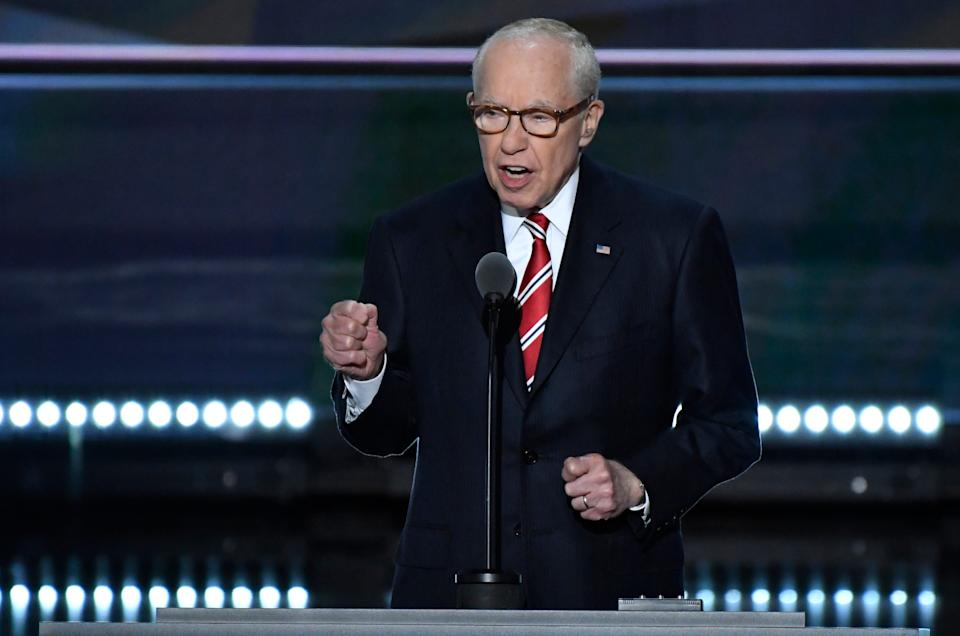 """Former Attorney General Michael Mukasey dismisses the criticism against William Barr as """"pure rubbish."""""""
