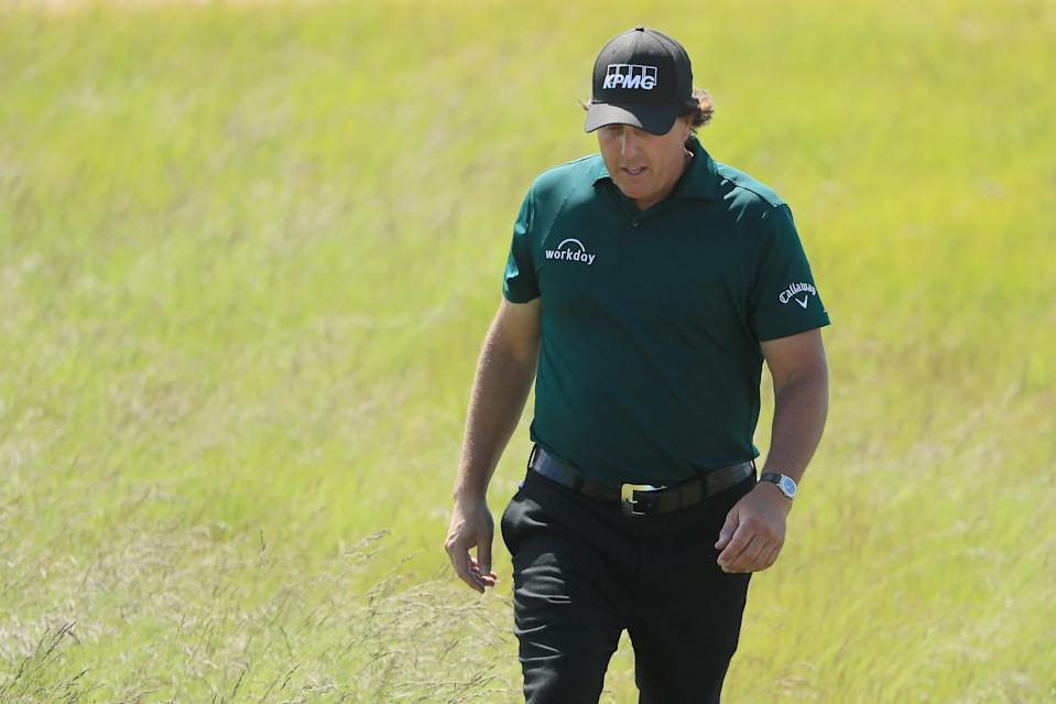 """Phil Mickelson says he's """"embarrassed and disappointed,"""" apologizes for moving ball incident at U.S. Open. (AP)"""