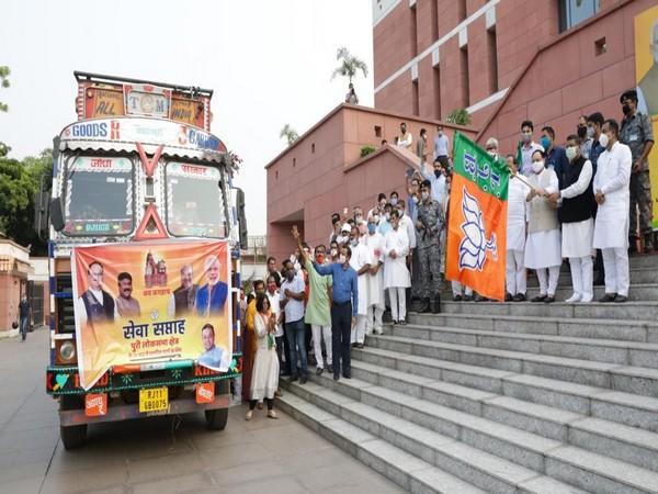 JP Nadda flags off truck containing relief material for flood-affected areas of Odisha. Photo/Twitter/JP Nadda