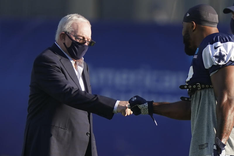 Jerry Jones sounds like he still wants to compromise on anthem protests, which is a bit of a departure from the rest of the NFL. (AP Photo/LM Otero)