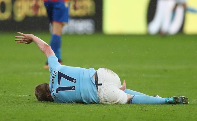 "<a class=""link rapid-noclick-resp"" href=""/soccer/players/kevin-de-bruyne/"" data-ylk=""slk:Kevin De Bruyne"">Kevin De Bruyne</a> was injured on Sunday in the 0-0 draw between <a class=""link rapid-noclick-resp"" href=""/soccer/teams/manchester-city/"" data-ylk=""slk:Manchester City"">Manchester City</a> and <a class=""link rapid-noclick-resp"" href=""/soccer/teams/crystal-palace/"" data-ylk=""slk:Crystal Palace"">Crystal Palace</a>. (Getty)"