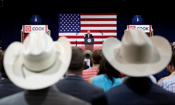 President Donald Trump speaks about tax reform during a visit to Loren Cook Company in Springfield, Missouri, on Wednesday. (Photo: Kevin Lamarque / Reuters)