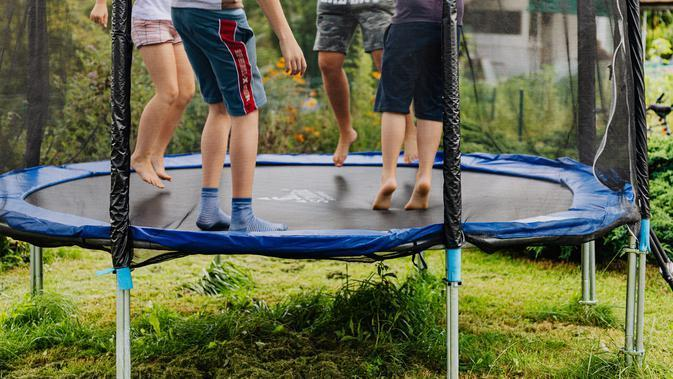 Ilustrasi trampolin. (Photo by Karolina Grabowska from Pexels)