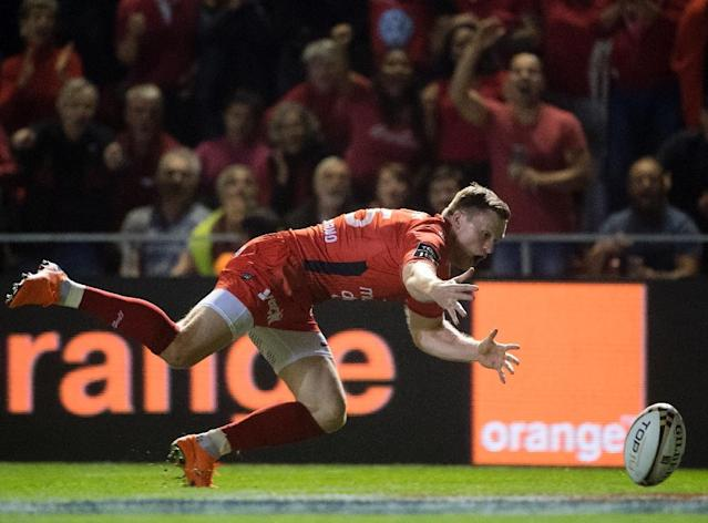 Chris Ashton may be out of favour with England but he enjoyed a record-breaking season for Toulon (AFP Photo/BERTRAND LANGLOIS)