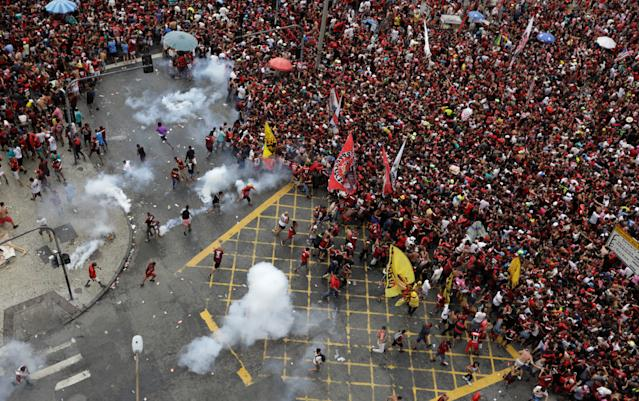 Rio de Janeiro police and Flamengo fans (Credit: Getty Images)