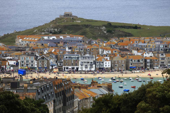 Police in St Ives offer £2,500 reward in hunt for hotel thief