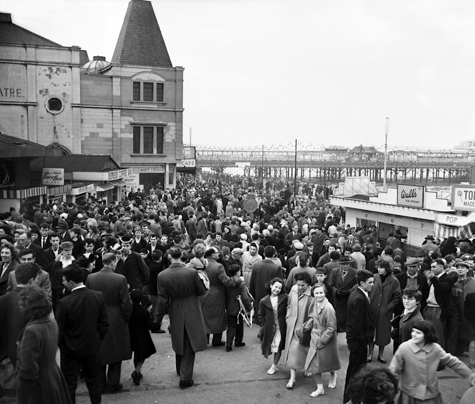 Easter holiday crowds in 1959 - Getty
