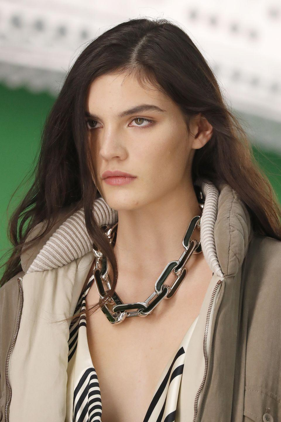<p>Chainlink necklaces are still very much happening, and the thicker they are, the more you'll stand out. <br></p><p><em>Louis Vuitton </em></p>