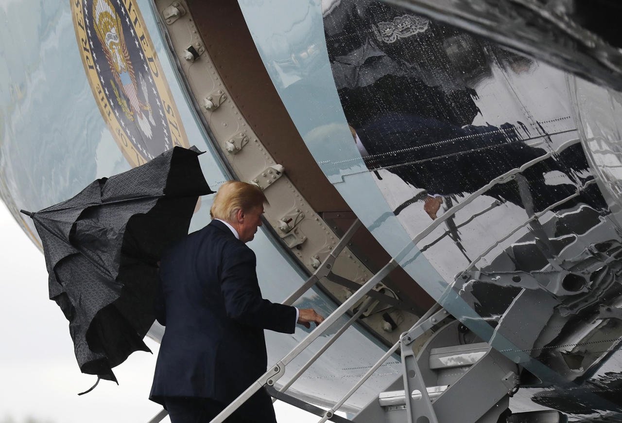 <p>President Donald Trump boards Air Force One when departing from Glasgow, Scotland, on his way to Helsinki, Finland, Sunday, July 15, 2018 on the eve of his meeting with Russian President Vladimir Putin. (Photo: Pablo Martinez Monsivais/AP) </p>