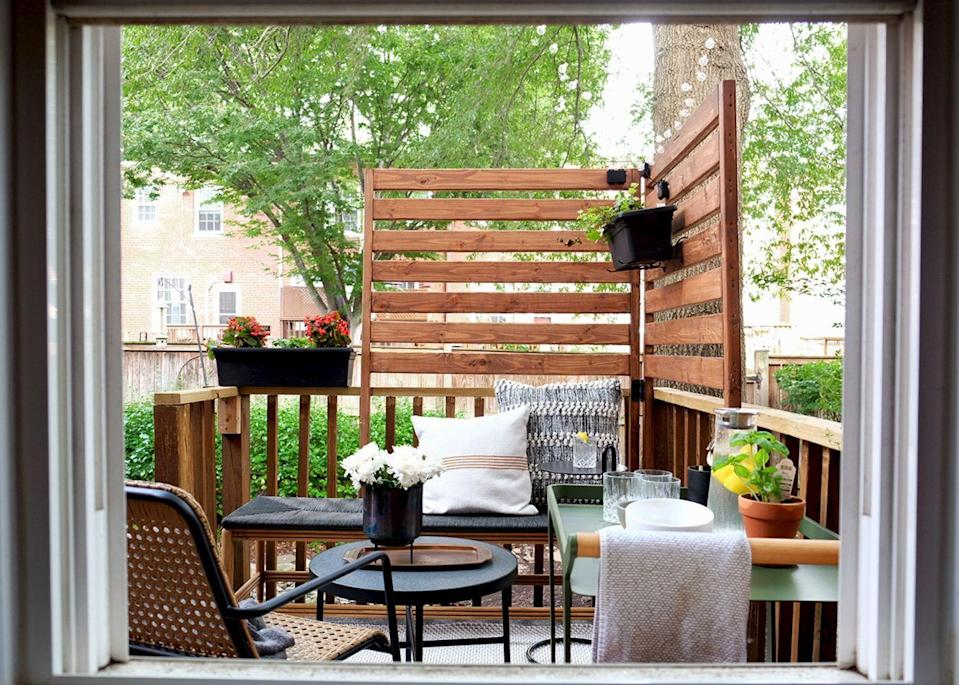 "<p><a href=""https://www.housebeautiful.com/lifestyle/gardening/g2456/landscaping-ideas/"" rel=""nofollow noopener"" target=""_blank"" data-ylk=""slk:Outdoor space"" class=""link rapid-noclick-resp"">Outdoor space</a> is sacred—especially during a time where staying socially distant is essential. Even just a tiny <a href=""https://www.housebeautiful.com/room-decorating/outdoor-ideas/g26331019/balcony-decorating-ideas/"" rel=""nofollow noopener"" target=""_blank"" data-ylk=""slk:balcony"" class=""link rapid-noclick-resp"">balcony</a> or <a href=""https://www.housebeautiful.com/room-decorating/outdoor-ideas/g21774122/creative-deck-ideas/"" rel=""nofollow noopener"" target=""_blank"" data-ylk=""slk:deck"" class=""link rapid-noclick-resp"">deck</a> can improve your lifestyle. Whether you're looking to revamp your small deck or turn an unused space into one, decorating it well and optimizing it for your needs will make a world of difference. From hanging furniture to built-in amenities, these small deck ideas will help you make the most of your <a href=""https://www.housebeautiful.com/room-decorating/outdoor-ideas/g26136212/small-backyard-ideas/"" rel=""nofollow noopener"" target=""_blank"" data-ylk=""slk:limited space"" class=""link rapid-noclick-resp"">limited space</a> so that you can actually use it and enjoy it. </p>"