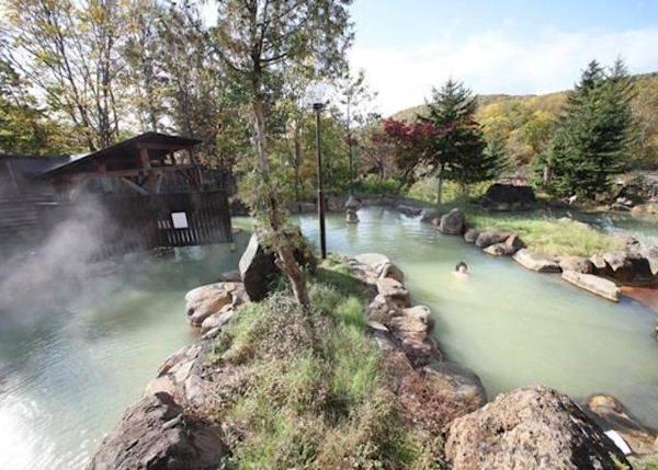 ▲Enjoy the 100% pure hot springs surrounded by natural scenery