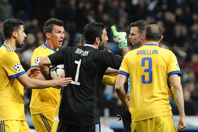 "Gianluigi Buffon was sent off for protesting a controversial penalty call late in Juventus' loss to <a class=""link rapid-noclick-resp"" href=""/soccer/teams/real-madrid/"" data-ylk=""slk:Real Madrid"">Real Madrid</a>. (Getty)"
