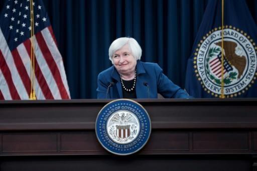 Yellen warns Fed's independence under threat