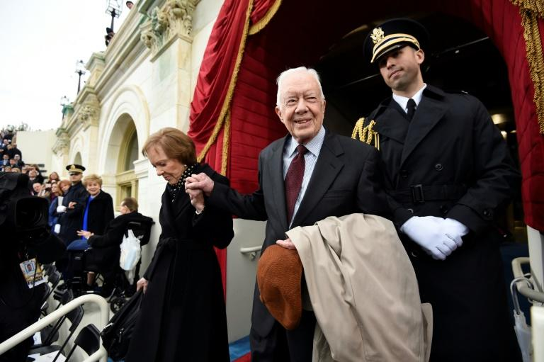 Former US president Jimmy Carter was hospitalized for treatment after suffering a fractured pelvis due to a fall in October