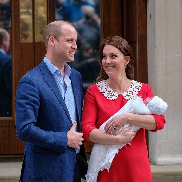"<p>The first pictures ever shown to the public of Prince Louis were <a href=""https://www.cosmopolitan.com/uk/reports/a19980611/royal-baby-body-language-kate-middleton-prince-william/"" rel=""nofollow noopener"" target=""_blank"" data-ylk=""slk:taken on the steps of St Mary's Hospital"" class=""link rapid-noclick-resp"">taken on the steps of St Mary's Hospital</a> in London. Just hours old, he was wrapped in a blanket, held in his mother's arms, and shown off to the world's waiting media.</p><p><a href=""https://www.instagram.com/p/Bh69MEdh8-y/"" rel=""nofollow noopener"" target=""_blank"" data-ylk=""slk:See the original post on Instagram"" class=""link rapid-noclick-resp"">See the original post on Instagram</a></p>"