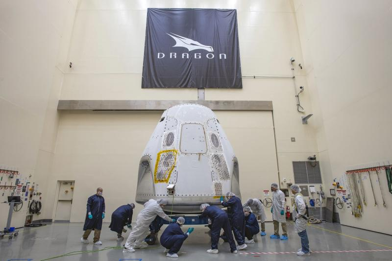 SpaceX Awarded Contract to Deliver Cargo to Lunar Gateway Orbital Outpost