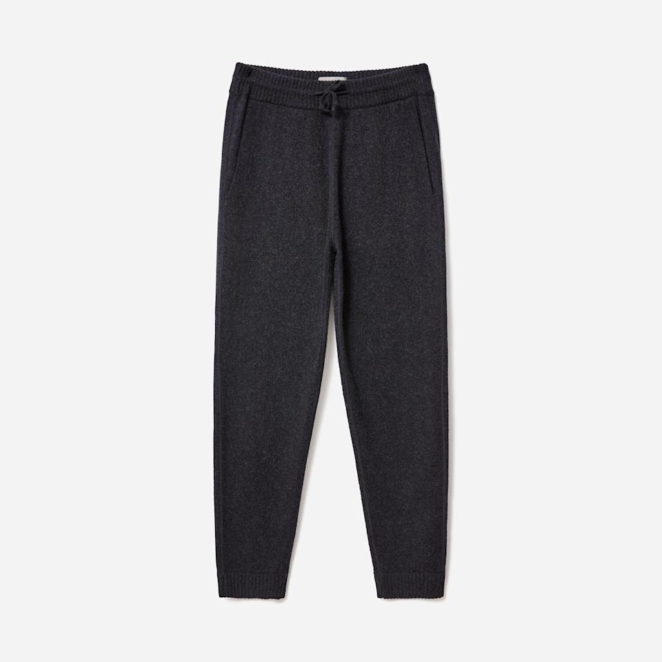 "<p><strong>Everlane</strong></p><p>everlane.com</p><p><strong>$96.00</strong></p><p><a href=""https://go.redirectingat.com?id=74968X1596630&url=https%3A%2F%2Fwww.everlane.com%2Fproducts%2Fmens-felted-merino-sweatpant-charcoal&sref=https%3A%2F%2Fwww.esquire.com%2Fstyle%2Fmens-fashion%2Fg35086246%2Feverlane-end-of-year-sale-2020%2F"" rel=""nofollow noopener"" target=""_blank"" data-ylk=""slk:Buy"" class=""link rapid-noclick-resp"">Buy</a></p>"