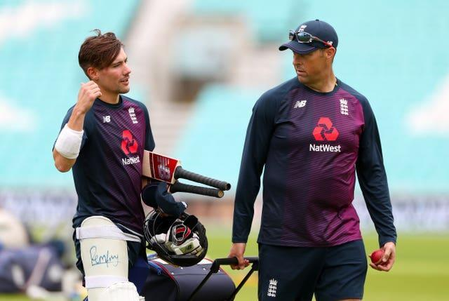 Marcus Trescothick (right) admits he has not had an ideal amount of time with England's batsmen