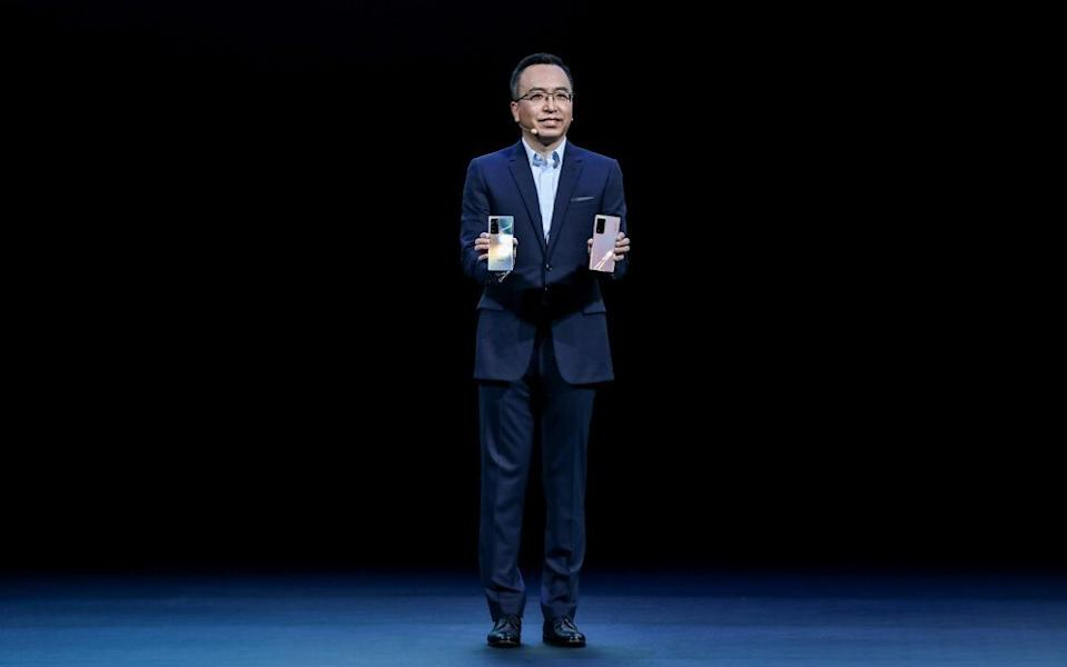 Honor CEO Zhao Ming unveils the 5G View40 smartphone at the launch event in Shenzhen on Friday. Photo: Honor