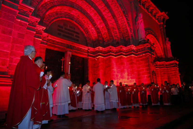 TheManila Cathedral in the Philippines lights up for #RedWednesday on Nov. 22. (Aid to the Church in Need)