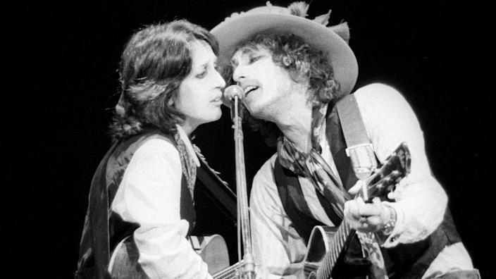 Joan Baez and Bob Dylan on his Rolling Thunder Revue tour in 1975