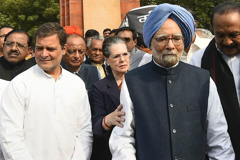 The Many Cues & Sonia's Trump Card: Can Covid-19 Crisis Finally Manage to Bring Back Cong in Game?