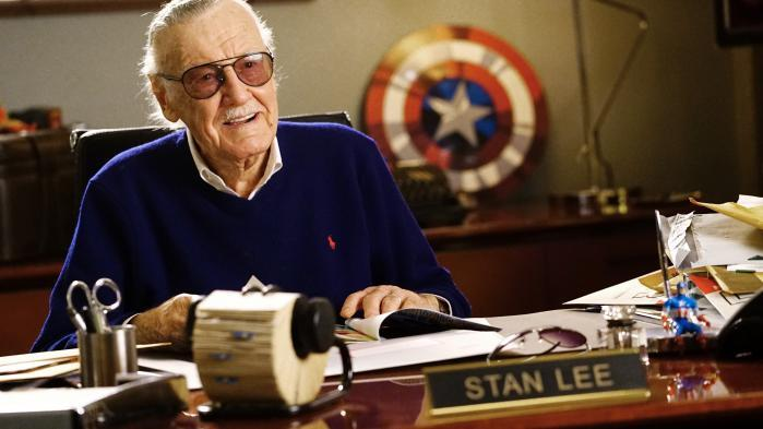 Une masseuse poursuit Stan Lee pour agression sexuelle