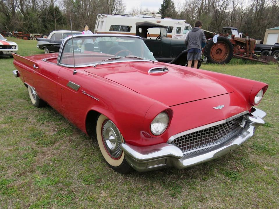 56R 1957 Ford Thunderbird Roadster