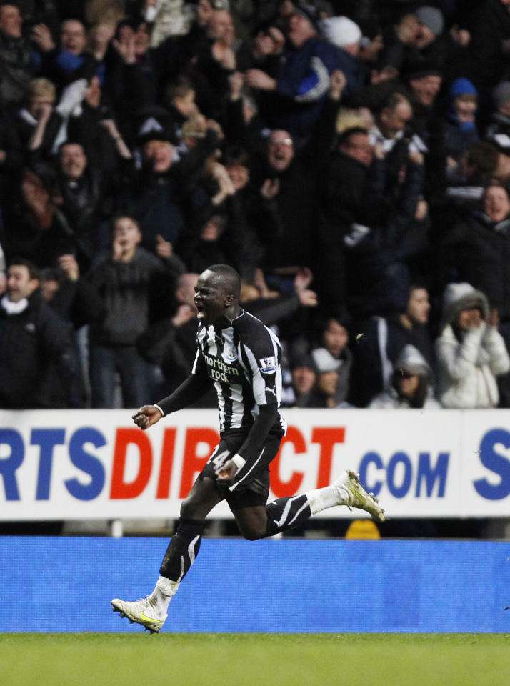 Football - Newcastle United v Arsenal Barclays Premier League - St James' Park - 10/11 - 5/2/11 Cheick Tiote celebrates after scoring Newcastle's fourth goal Action Images via Reuters / Lee Smith NO ONLINE/INTERNET USE WITHOUT A LICENCE FROM THE FOOTBALL DATA CO LTD. FOR LICENCE ENQUIRIES PLEASE TELEPHONE +44 (0) 207 864 9000.
